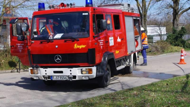 LF Schwabelweis Einsatzübung autohaus